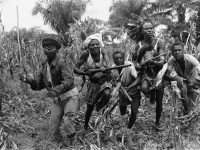 baluba-warriors-in-the-central-congo-province-of-kasai-train-for-battle-with-homemade-small-arms-on-january-2-1961 Balubas in Congo