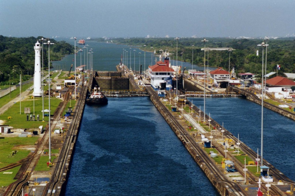 Panama_Canal_Gatun_Locks (1)