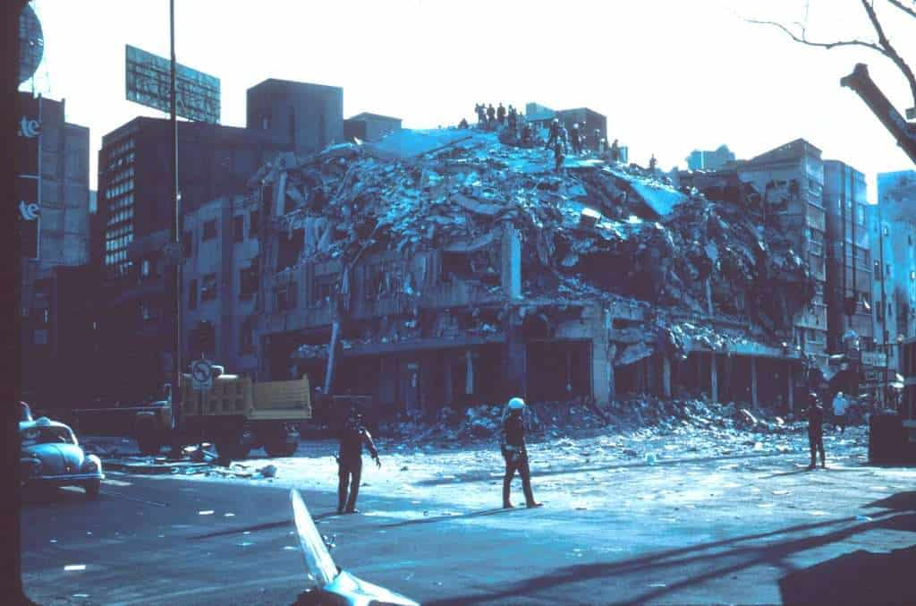 the 1985 mexico s earthquake There were two apartment complexes in the area of the city called tlatelolco to  the north of the historic center.