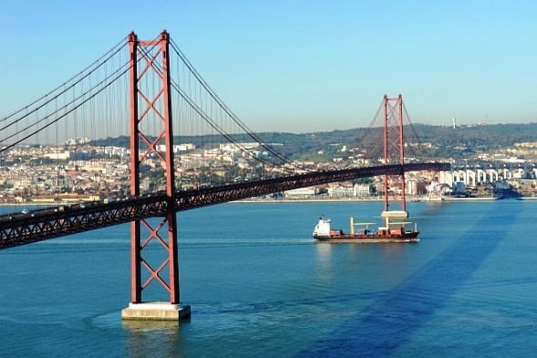 lisbon_bridge_25th_april