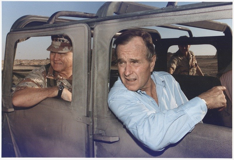 President_Bush_rides_in_a_HUMVEE_with_General_H._Norman_Schwarzkopf_during_his_visit_with_troops_in_Saudi_Arabia_on..._-_NARA_-_186424.tif