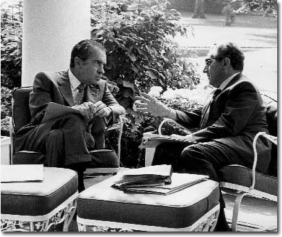 Kissinger-Reports-to-Nixon