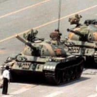 behind-the-scenes-images-tell-the-story-of-the-iconic-tiananmen-square-tank-man-photo-taken-26-years-ago-today