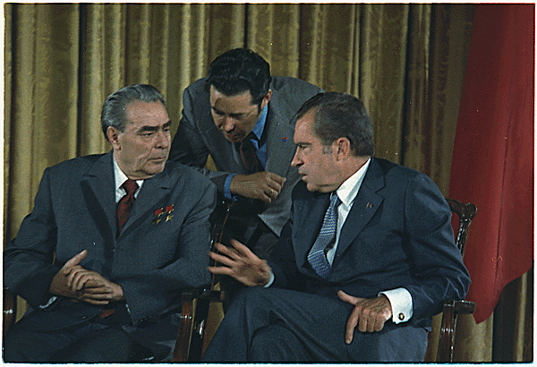 Leonid_Brezhnev_and_Richard_Nixon_talks_in_1973