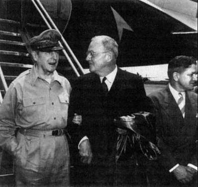 macarthur-and-dulles-june-1950
