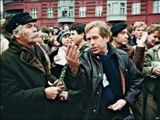 havel-and-other-chater-77-signatories-in-1988