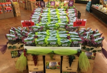 Chilean-grapes-retail-display-CFFA