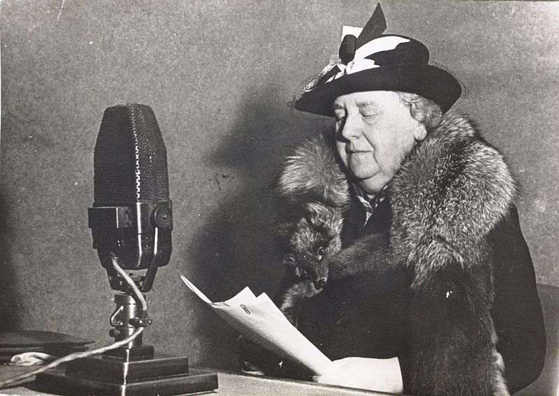 Queen Wilhelmina during a broadcast from Radio Oranje in London (28 July 1940) Photographer Unknown   National Archive of the Netherlands