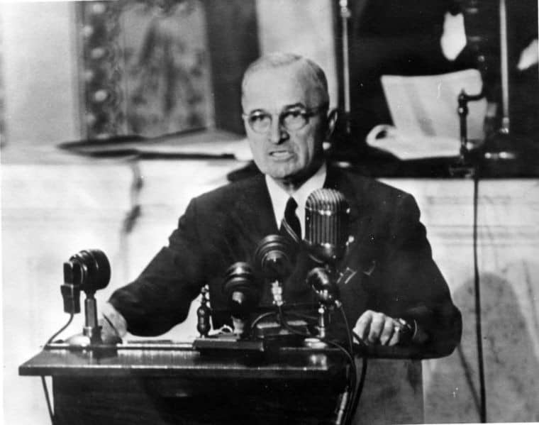 President Harry S. Truman addressing Congress (12 March 1947) | Harry S. Truman Library & Museum | Wikimedia Commons
