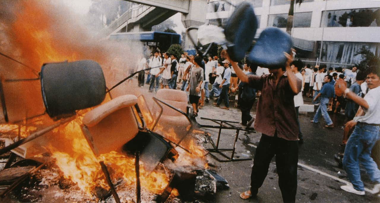Shops looted and goods burned on the streets in Jakarta (14 May 1998) Office of the Vice President of The Republic of Indonesia, B.J. Habibie: 72 Days as Vice President   Wikimedia Commons