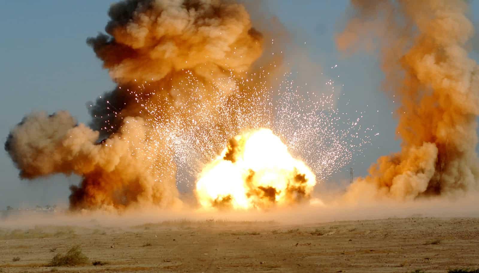 USAF EOD explosion (2009) Senior Airman Christopher Hubenthal | Wikimedia