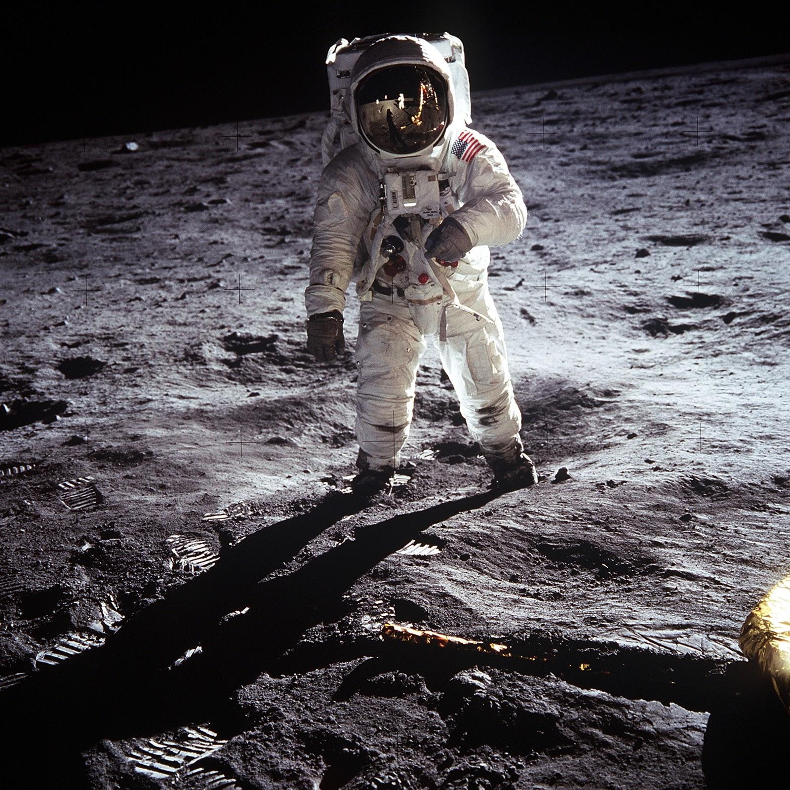 Man in Astronaut Suit (2016) Pixabay | Pexels