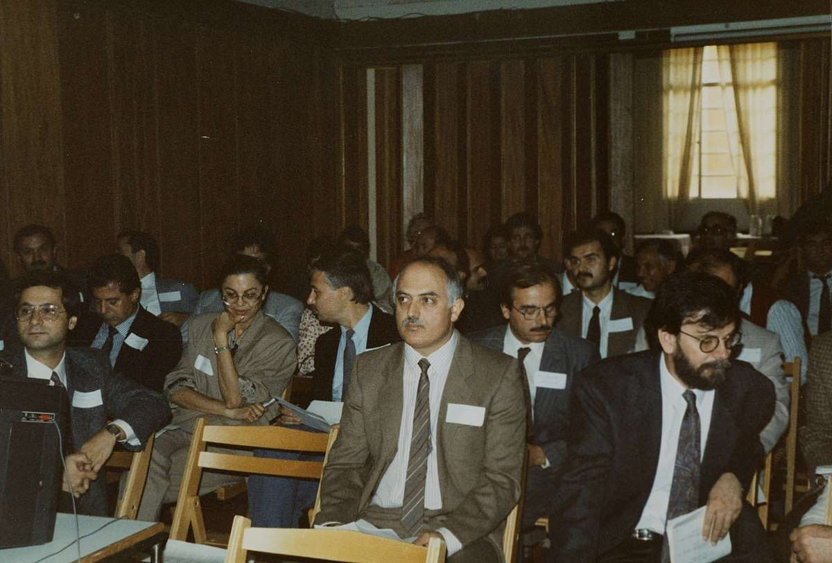 Greek and Turkish Cypriot doctors at conference in Ledra Palace, Cyprus (1991) Wellcome Images   Wikimedia Commons